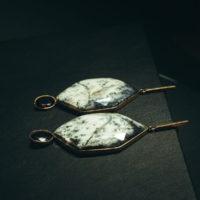 Pendientes Fortuny ópalo dendrítico y granate
